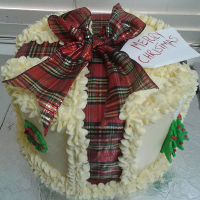 white-christmas-fit-cake-order