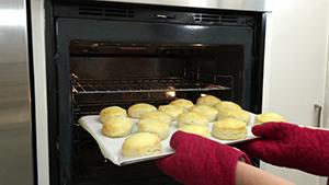 baking oven pan cupcakes