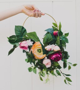 FLOWER HOOP BOUQUET