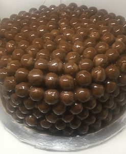 maltesers cake with ganache