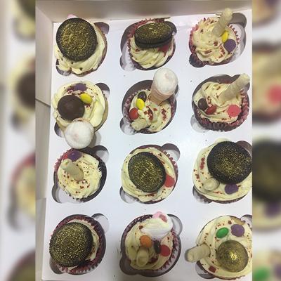 Gold Fest Cupcakes